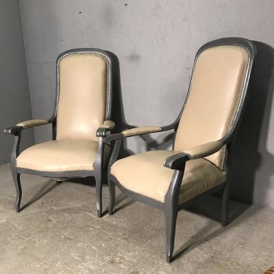 Парные кресла с высокими спинками