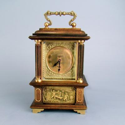 Старинные настольные часы с боем
