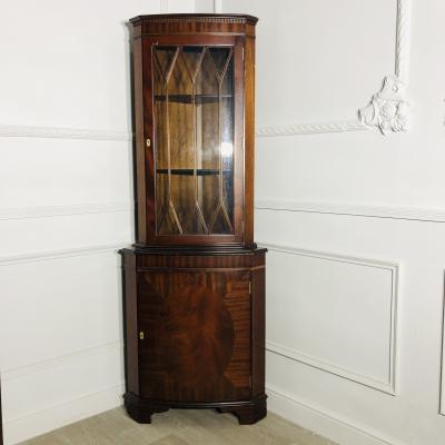 Парные угловые книжные шкафы XX века
