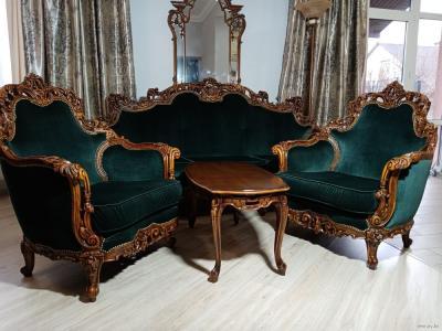 Комплект мягкой мебели в стиле барокко