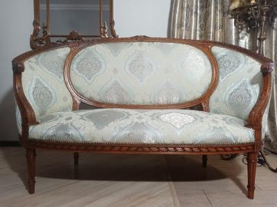 Софа-диван в стиле Наполеона