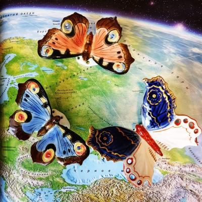 Фарфоровые бабочки