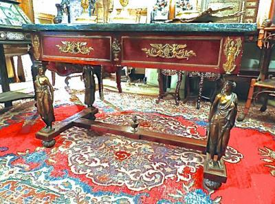 Стол в стиле Ампир, ок.1860 г.