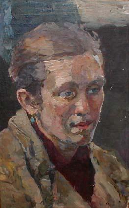 Женский портрет с голубыми серьгами