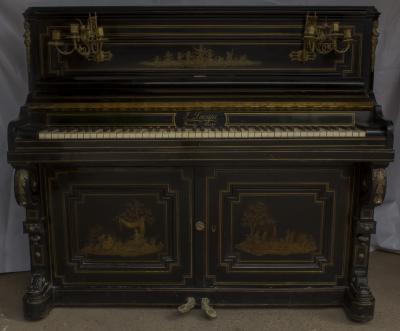 Пианино мастера Jean Lacappe.